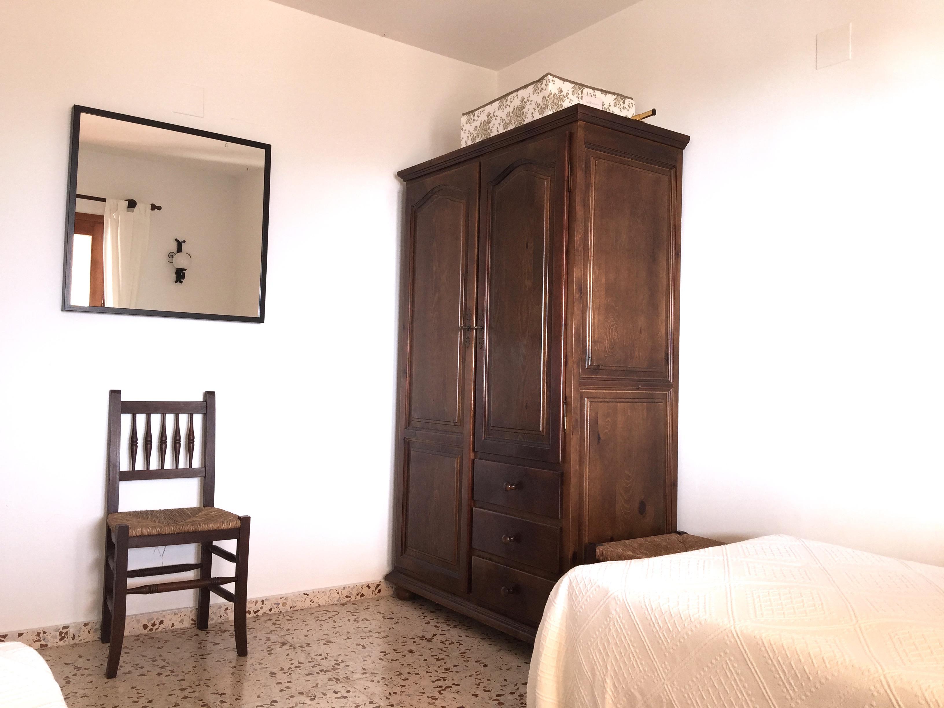 casacalpe olta schlafzimmer 2 3 casacalpe. Black Bedroom Furniture Sets. Home Design Ideas